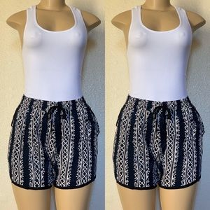 Pants - Ariana shorts